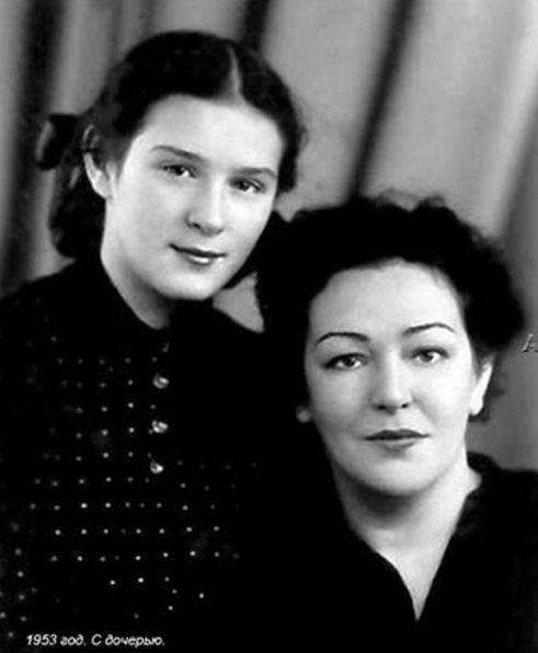 Вероника Тушнова с дочерью Наташей