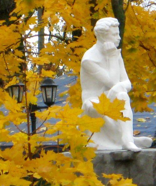 Александр Пушкин ~ И с каждой осенью я расцветаю вновь...