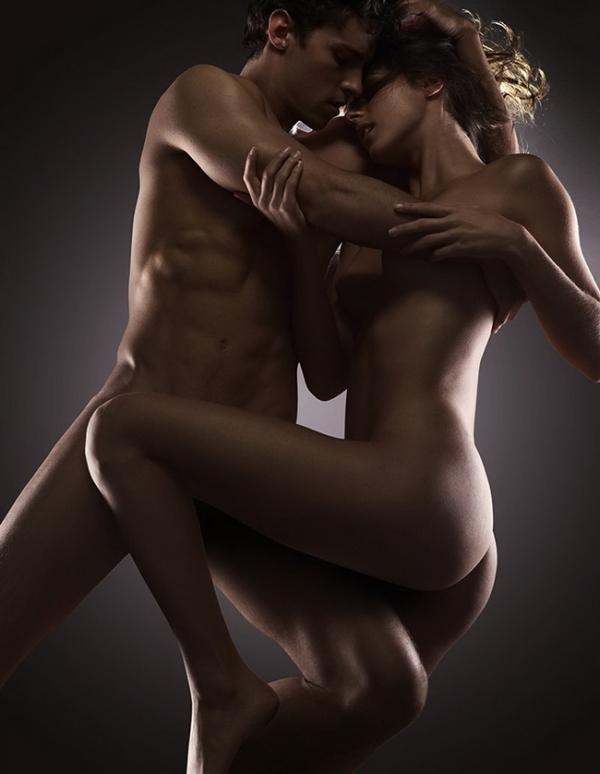 Мужчина и женщина голая