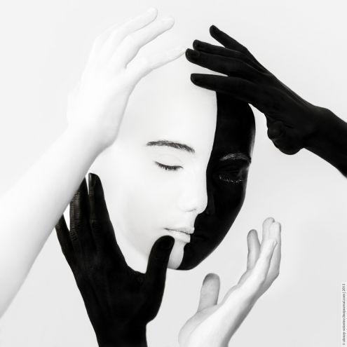 Белое - черное