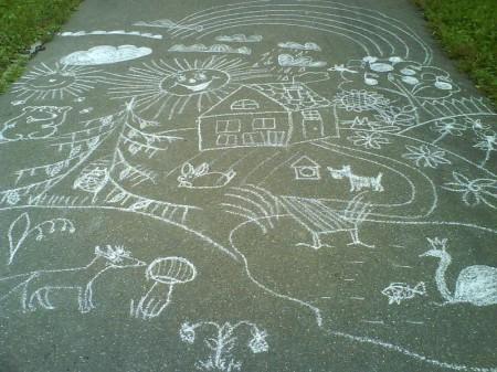 детские рисунки на асфальте фото